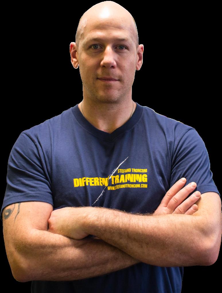 Mi chiamo Stefano Tronconi e svolgo da vent'anni la professione di Personal Trainer a Firenze.